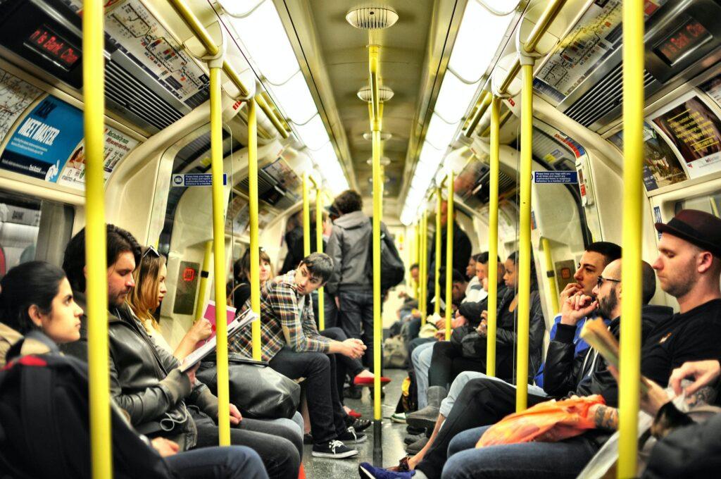 座れる電車