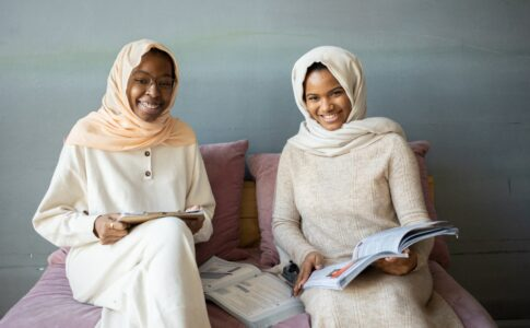 ヒジャブの女性